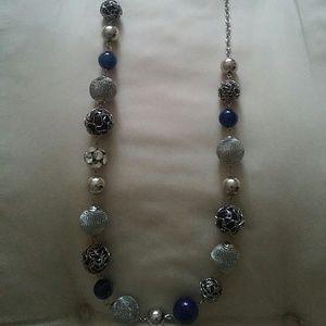 Jewelry - Costume jewelry  bead necklace